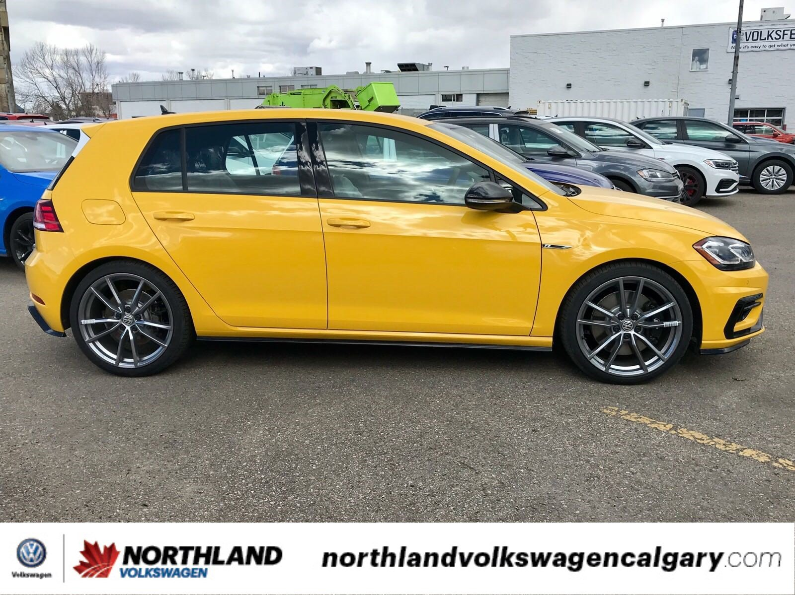 L132, 9150 - GINSTER YELLOW, GINSTERGELB (GOLF R)-0.jpg
